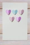 Бумажное сердце на пустом письме Стоковое Изображение RF