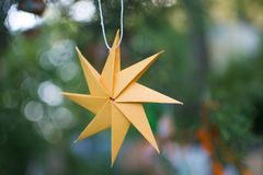 Бумажное украшение звезды Стоковые Фото