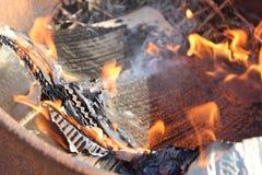 Бумажное фото огня стоковая фотография