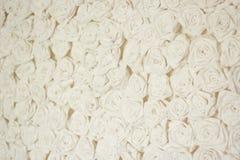 Бумажные винтажные белые розы Стоковая Фотография