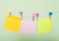 Бумажные листы на потоке стоковое изображение rf