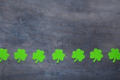 Бумажные листья клевера Стоковая Фотография RF