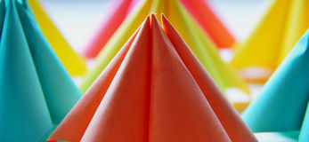 Бумажные формы в пастельных цветах стоковые фото