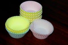 Бумажные чашки булочки Стоковая Фотография