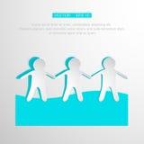 Бумажные люди держа руки на белой предпосылке Стоковые Изображения RF