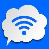Бумажный пузырь с символом Wi-Fi на голубой предпосылке Стоковые Фотографии RF
