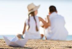 Бумажный пляж шлюпки Стоковое Фото