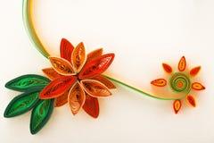 Бумажный цветок на конце-вверх поздравительной открытки Стоковое Изображение RF