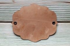 Бумажный ярлык на деревянной доске Стоковые Фото