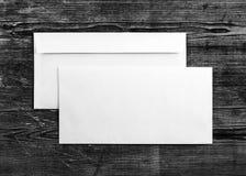 2 бумажных конверта Стоковая Фотография