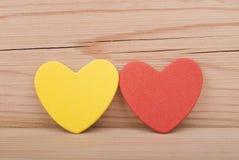 2 бумажных сердца. Стоковое Фото