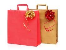 2 бумажных хозяйственной сумки с лентой Стоковая Фотография