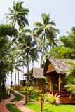 Бунгала и тропа Стоковое Фото