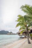 Бунгало overwater Bora Bora Таити Стоковые Фотографии RF