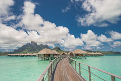Бунгало overwater Bora Bora Таити Стоковые Изображения RF