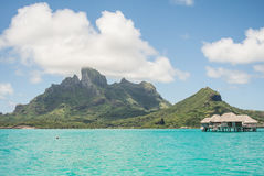 Бунгало overwater Bora Bora Таити Стоковая Фотография