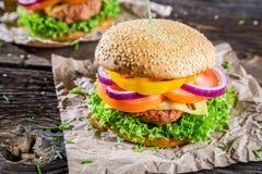 2 бургера сделанного от свежих овощей Стоковая Фотография RF