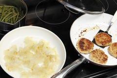 Бургеры Турции, лук и зеленые фасоли Стоковое Изображение