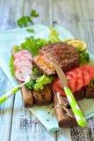 Бургер говядины заполненный с морковами Стоковое фото RF