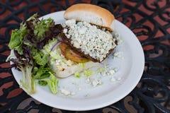 Бургер голубого сыра делюкс Стоковое фото RF