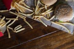 Бургер, меню гамбургера фаст-фуда и фраи француза Стоковые Фотографии RF