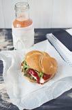 Бургер шпината Vegan стоковые изображения rf
