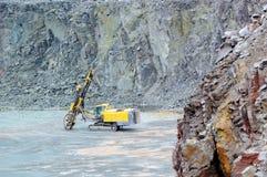 Бурильщик в шахте карьера индустрия земли andalusia повреждает минируя Испанию стоковая фотография rf