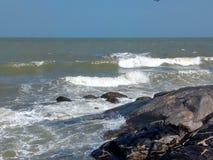 Бурное море в Hua Hin Таиланде стоковая фотография rf