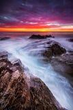 Бурное море на восходе солнца стоковые фото