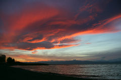 Бурное небо над озером Ohrid на заходе солнца Стоковая Фотография RF