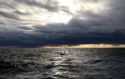 Бурные моря шторма Тихого океана Стоковое Изображение