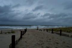 Бурный день на пляже стоковая фотография