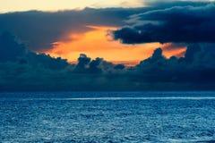 Бурный заход солнца океана Стоковые Изображения