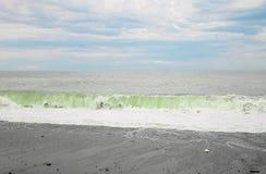 Бурный ландшафт Чёрного моря и огромные волны Стоковая Фотография RF