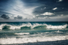 Бурный океан с ненастными облаками Стоковые Фото
