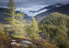 Бурный саммит горы в парке Adirondack Нью-Йорка Стоковое Фото