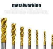 Буровые наконечники в различных размерах на отказе бурового наконечника для механической обработки стоковая фотография rf