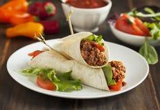 Буррито заполненные с мясом и овощами Стоковое Изображение RF
