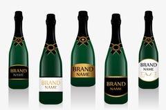 Бутылка или игристое вино Шампани с ярлыком Собрание 5 стеклянных бутылок изолированных на белой предпосылке вектор иллюстрация вектора