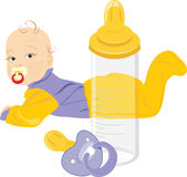 Бутылка младенца, куклы и молока изолированная на белизне Стоковые Фото