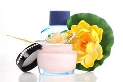 Бутылка с цветком Стоковые Изображения