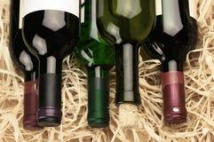 Бутылки вина в сторновке Стоковые Фотографии RF