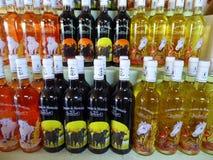 Бутылки вина для продажи Стоковое Изображение RF