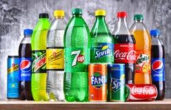 Бутылки глобальных брендов безалкогольного напитка Стоковое Изображение RF