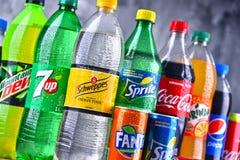 Бутылки глобальных брендов безалкогольного напитка Стоковые Изображения