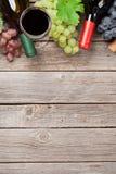 Бутылки и виноградины вина Стоковые Фото