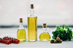 Бутылки оливкового масла Стоковые Фото