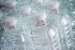 Бутылки питьевой воды Стоковое Изображение RF