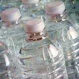 Бутылки питьевой воды Стоковые Изображения