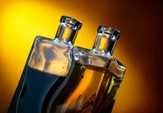 Бутылки приправленных оливкового масла и бальзамического уксуса Стоковое фото RF